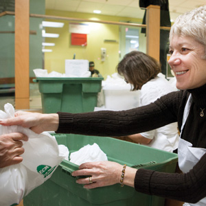 Volunteer at Lawyers Feed the Hungry program